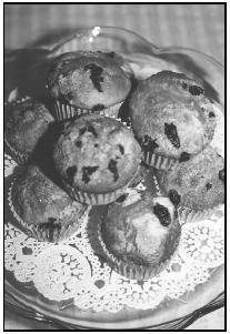 Blueberry muffins are easy to make and may be enjoyed anytime—for breakfast, with lunch or dinner, or as an afterschool or bedtime snack. EPD Photos.